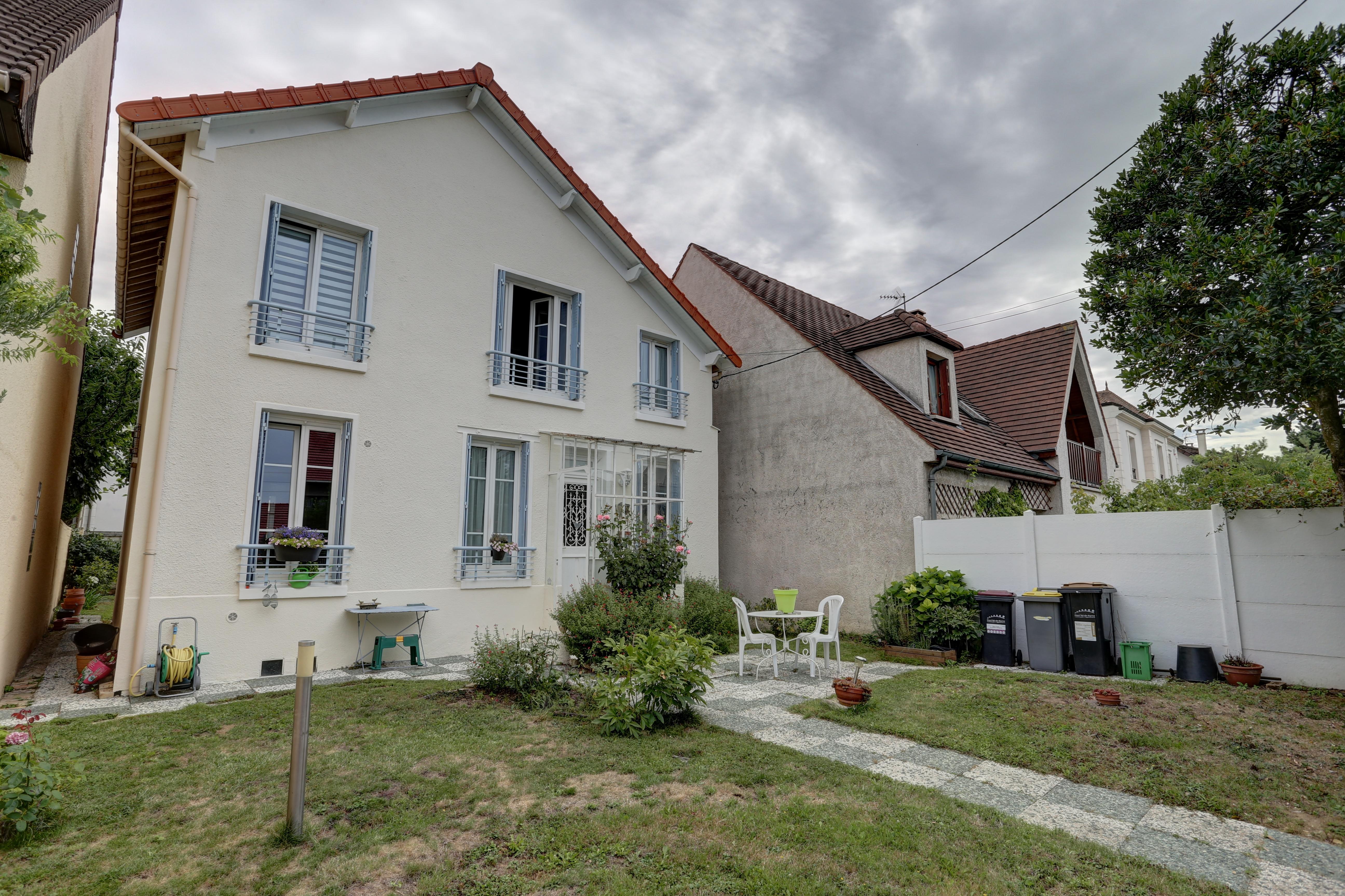 Maison 5 Pièces 114m2 à Ormesson sur Marne (94490)