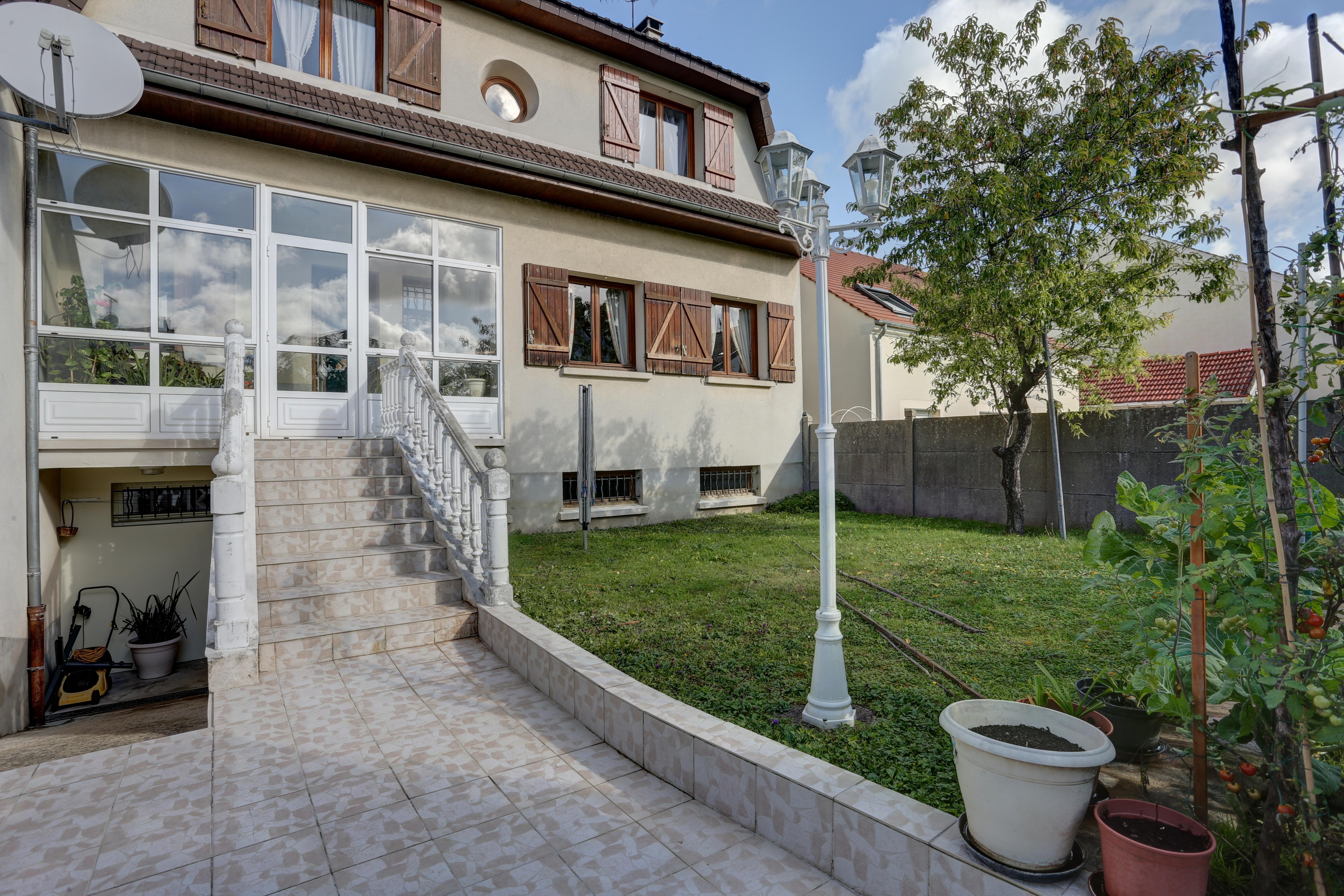 Maison 5 Pièces 137m2 à Ormesson sur Marne (94490)
