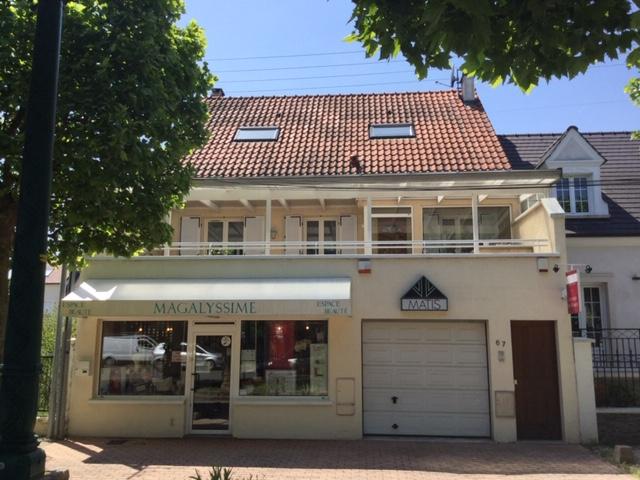 Maison et local commercial 202m2 à Ormesson sur Marne (94490)