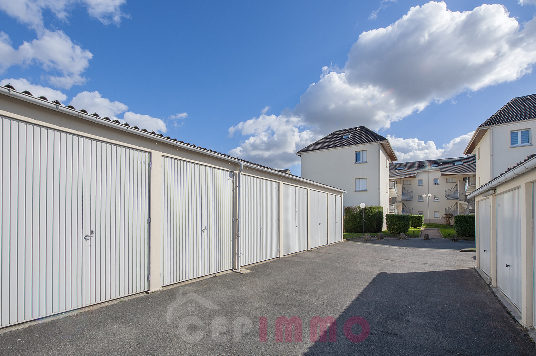 Box 18m2 à Pontault Combault (77340)